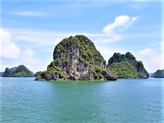 North Vietnam Tour: Halong bay