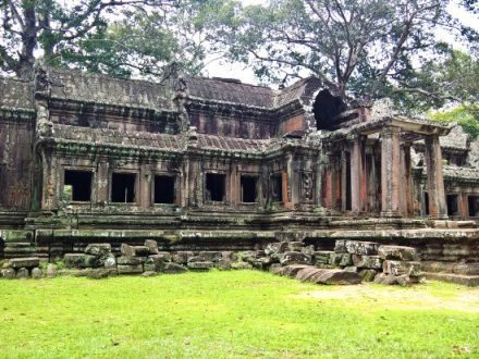 Siem Reap Tour: Angkor Wat and Tonle Sap Lake