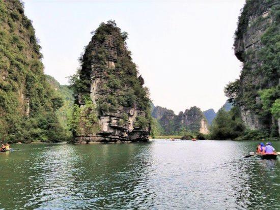Trang An - Ninh Binh Tour 2 days