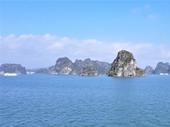 Vietnam best places to visit - Halong bay