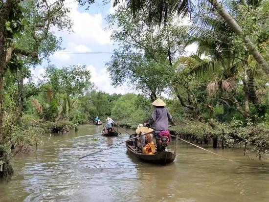 Mekong Rowboat Travel
