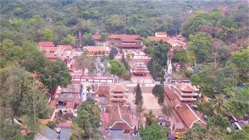 Perfume Pagoda - Attractions around Hanoi