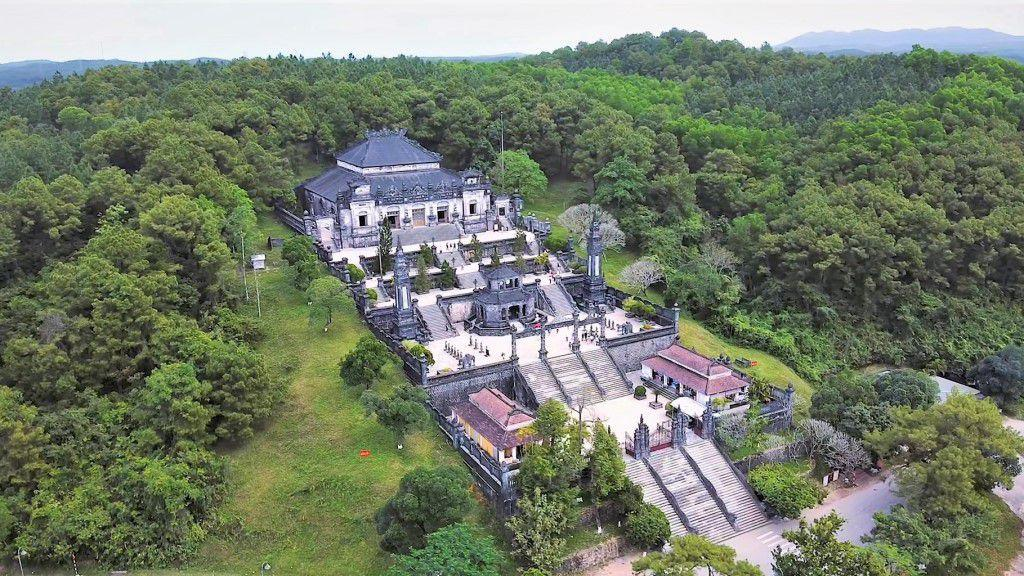 Mausoleum of King Khai Dinh - Hue attractions