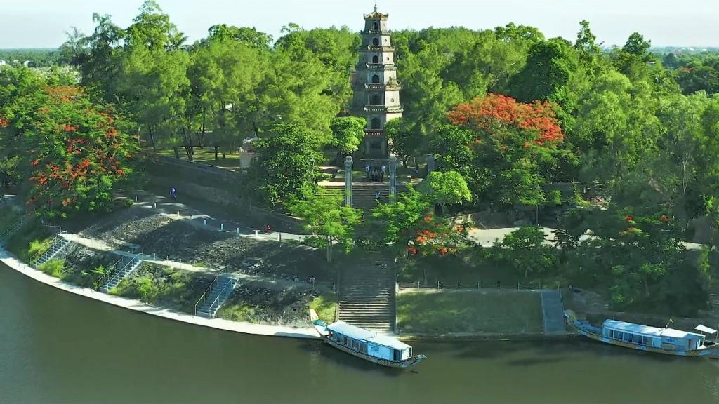 Thien Mu Pagoda - Hue attractions