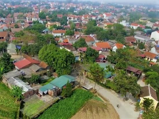 Duong Lam ancient village excursion
